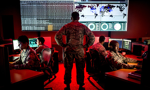 Cyber warfare specialists at Warfield Air National Guard Base. Foto: J.M. Eddins Jr.